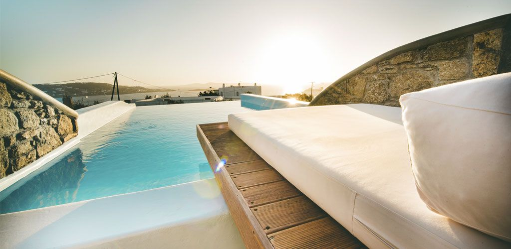 Honeymoon Suite with outdoor private pool & Jacuzzi